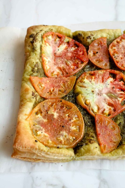 Heirloom Tomato Tart with Burrata | katiebirdbakes.com