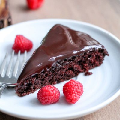 Single Layer Chocolate Cake with Chocolate Ganache