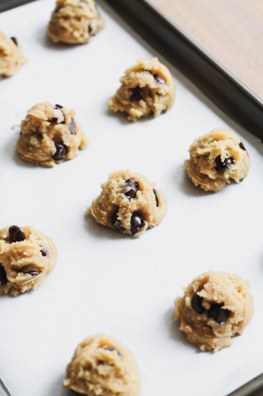 Easiest Chocolate Chip Cookies | katiebirdbakes