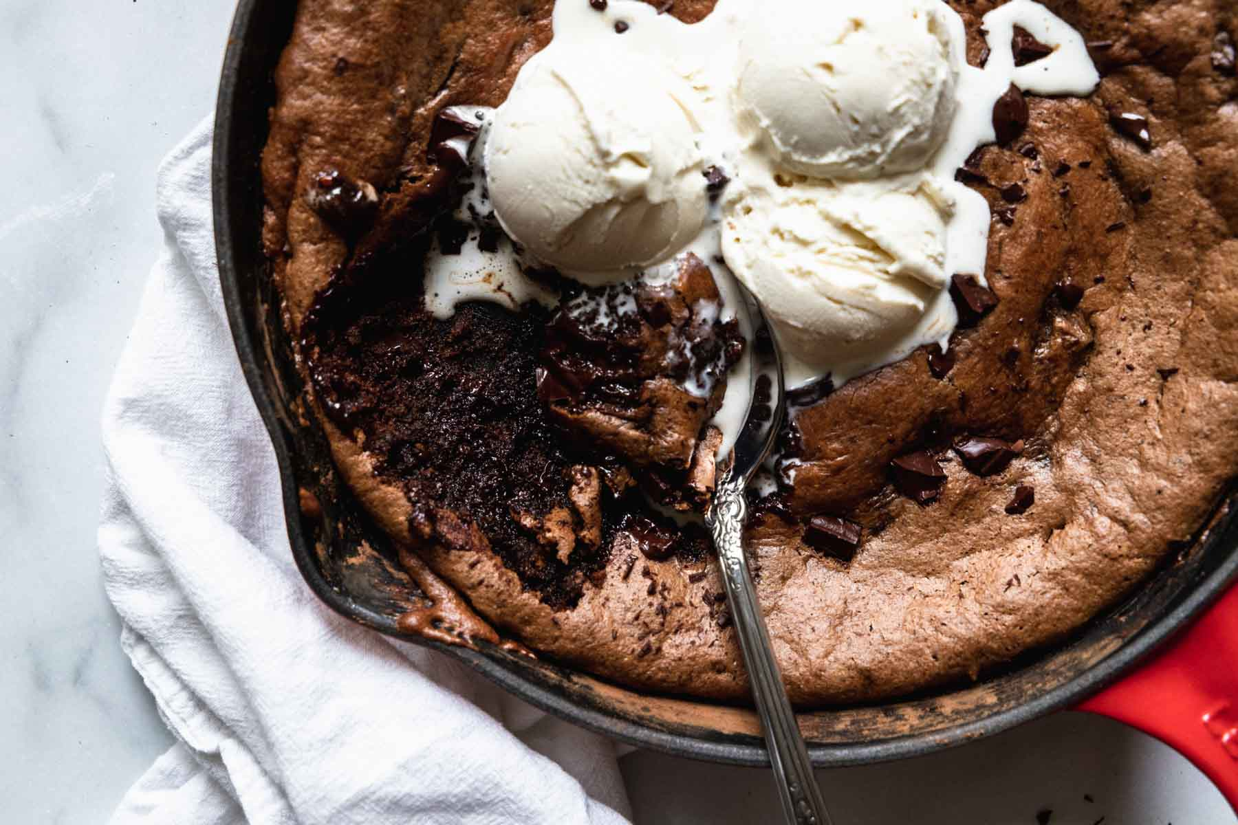 Almond Butter Skillet Brownie - fudgy and rich, but completely flourless and gluten-free!